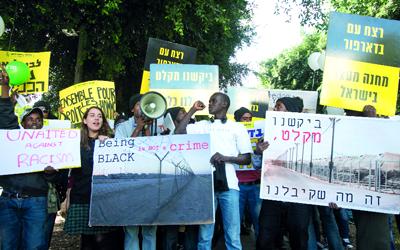 مركز عربي : قبول التطبيع مع إسرائيل لدي السودانيين هو الأعلي نسبة في العالم العربي