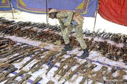 حركة مسلحة : جمع 2 % من أصل 6 مليون قطعة سلاح