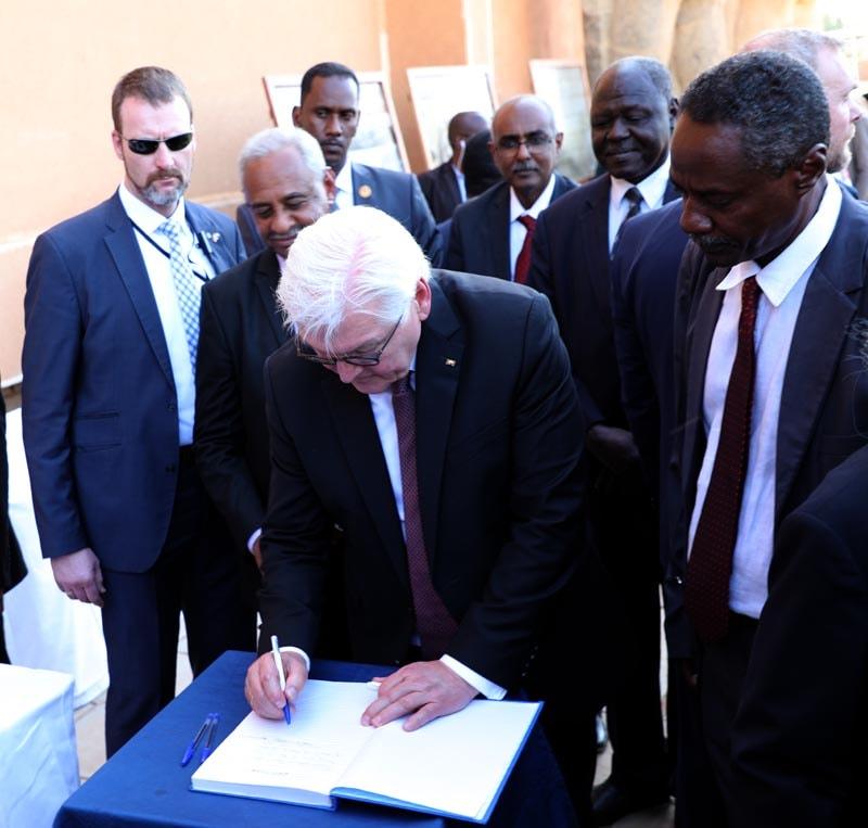 الرئيس ألالماني يزور متحف السودان القومي