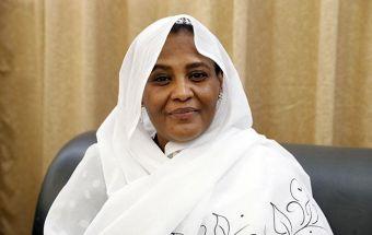 وزيرة الخارجية مريم الصادق المهدي تتلقى رسالة من نظيرتها الجنوب افريقية
