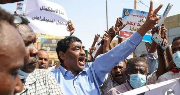 إبراهيم الشيخ يطالب البرهان بتسليم السلطة للمكون المدني فورا