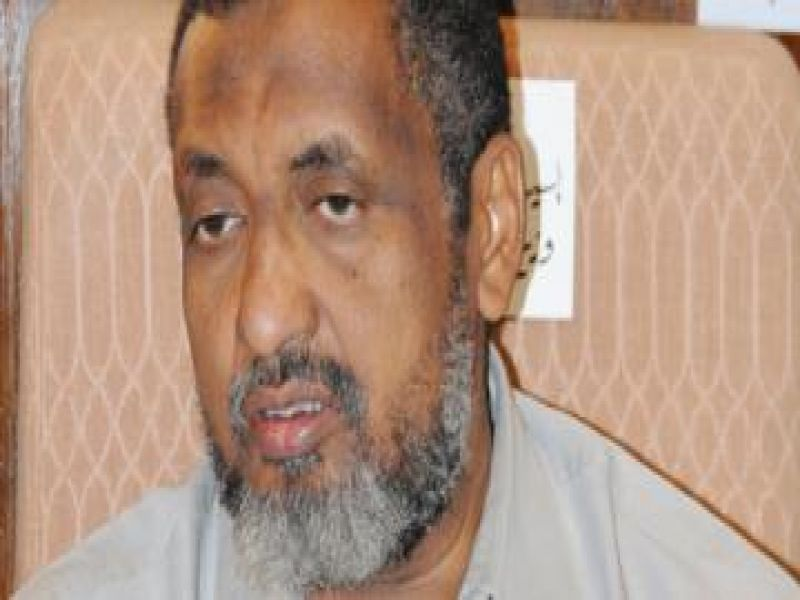 الزبير أحمد الحسن غاضب من بعض المجموعات المطالبة بحل الحركة الاسلامية