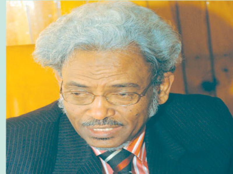 """(الوطني) يعيد """"أمين حسن عمر"""" للمكتب القيادي بعد تجاوزه في المؤتمر العام"""