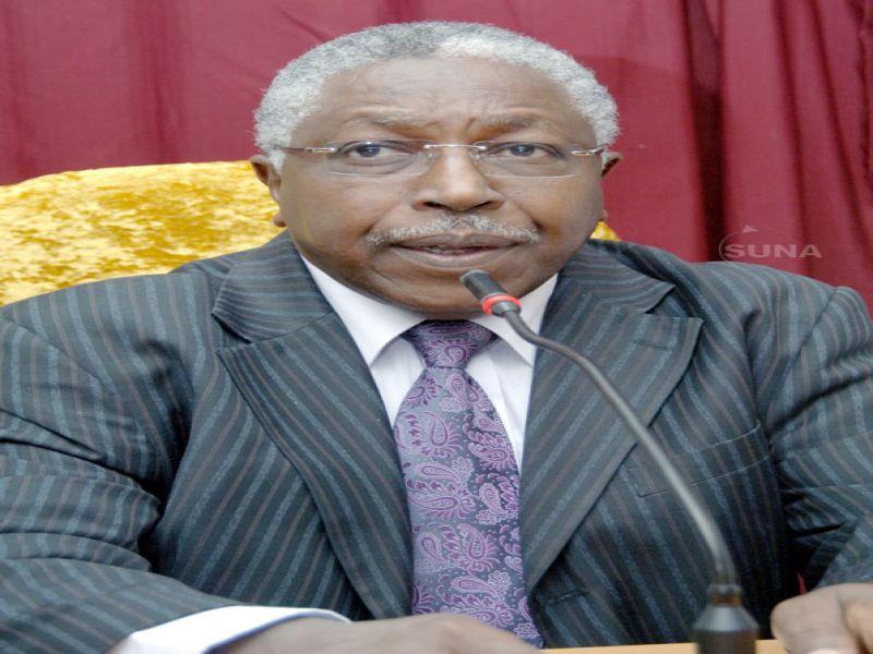 وزير مجلس الوزراء يترأس اجتماع المجلس السوداني للاعتماد