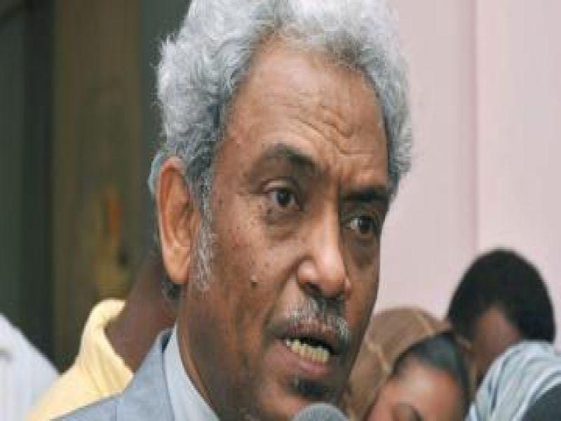 """""""أمين حسن عمر"""" يبدي زهده في عضوية المكتب القيادي وينصح بالتريث حول الحكومة الانتقالية"""