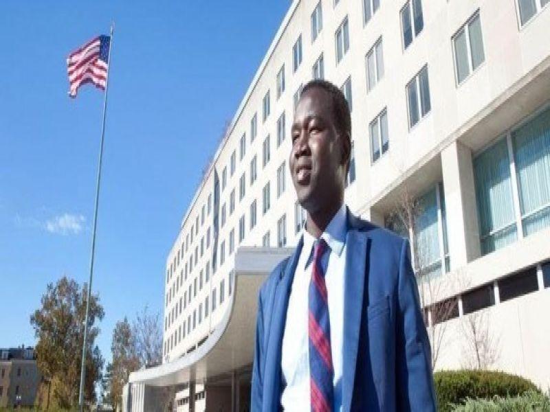 السوداني الذي تحول من لاجئ الي دبلوماسي امريكي