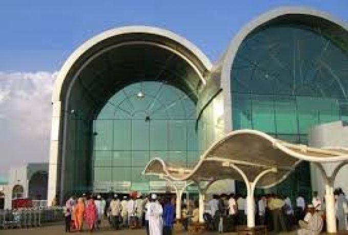 أمانة عامل بمطار الخرطوم تعيد أموالاً لصاحبها