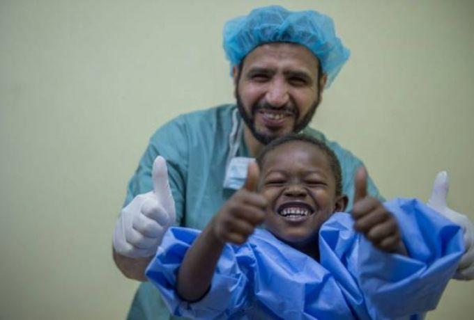 فريق طبي كويتي يعالج 434 حالة بالسودان