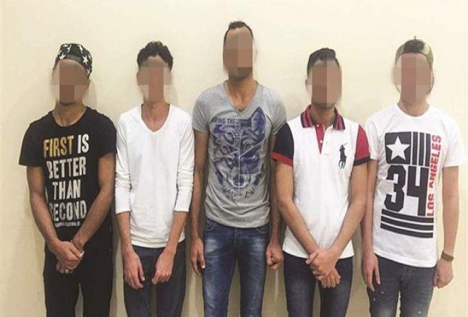 """الكويت تضبط 5 شواذ مصريين نشروا """"الإيدز"""" بين ألف مواطن"""