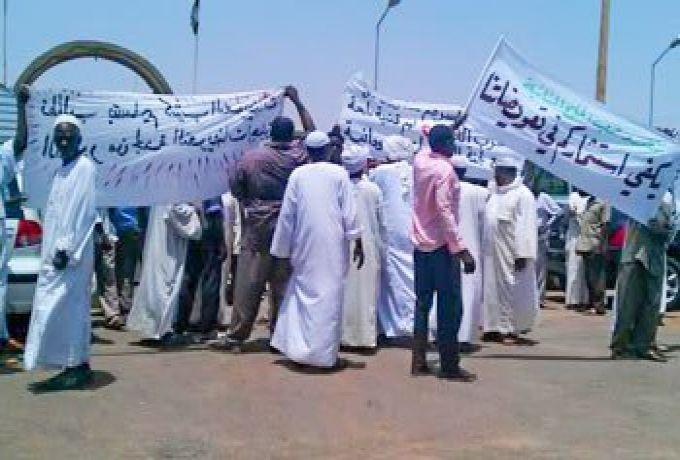 أهالي بالشمالية يمنحون حكومة الولاية مهلة قبل تصعيد إعتصامهم