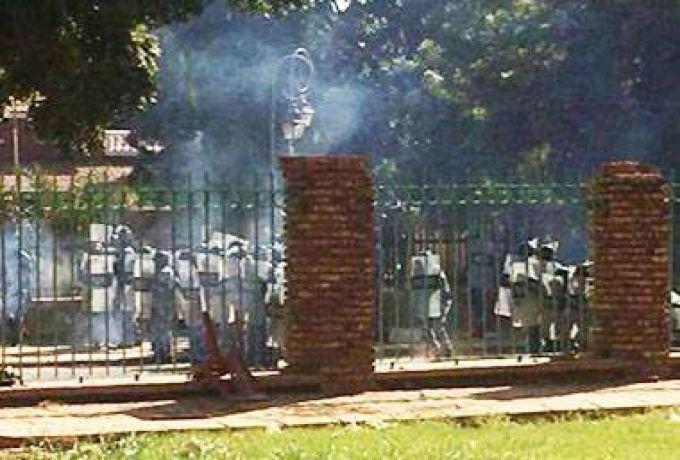 محكمة تبرئ 28 طالباً من تهمة الإزعاج بعد إحتجاجهم