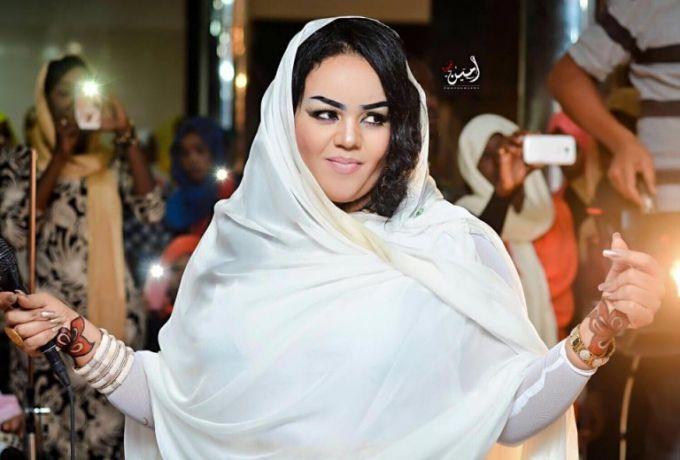 ندي القلعة : في رمضان أتفرغ للعبادة تماماً