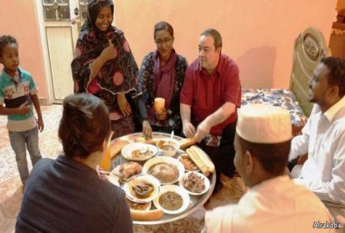 السفارة الأمريكية تلبي دعوة إفطار شاب سوداني قدمها علي فيس بوك