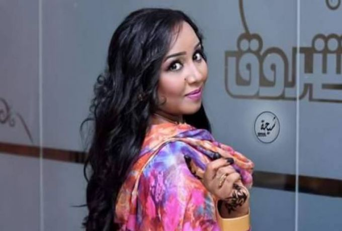 """هدي عربي تكشف سر رقصها المصاحب للغناء ببرنامج """"تسابيح"""""""