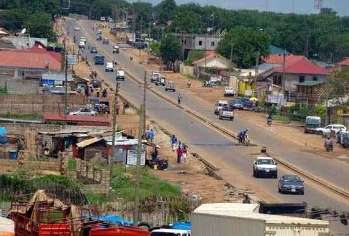 """جنوب السودان """"الإغاثات"""" توزع مرتبات للعاملين بالدولة"""