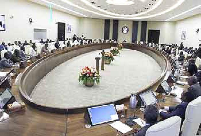 مجلس الوزراء يمنع إستيراد القمح ويوجه بوقف تسريب الدقيق