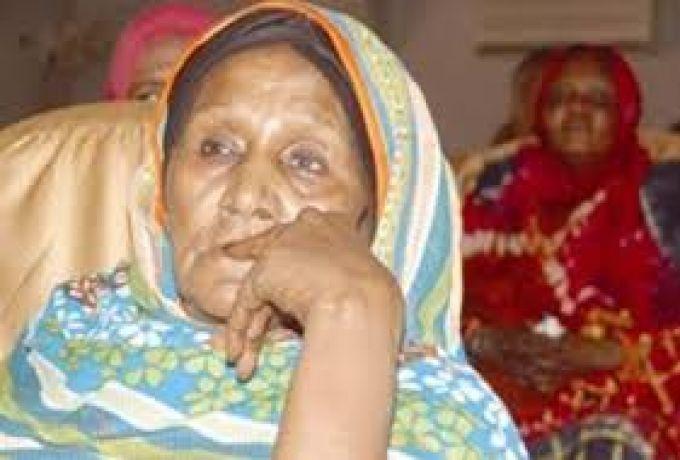 فائزة عمسيب ساخطة علي مروجي شائعة موتها