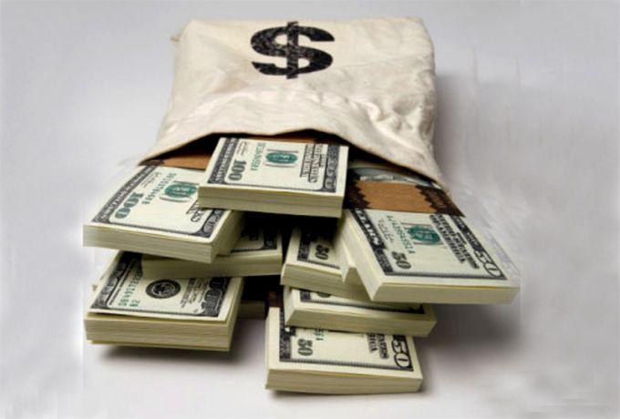 الدولار يتعدي التوقعات ويبلغ أعلي سعر امام الجنيه
