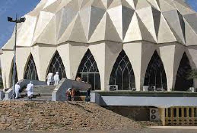 المسؤول الأمريكي يزور مسجد النيلين ويدعو لحوار اسلامي ـ مسيحي