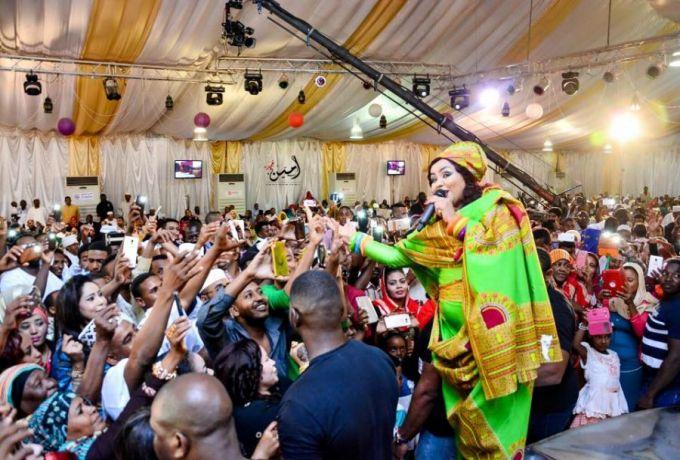 """ندي القلعة : """"قروش نيجيريا إعجاب بفني ما جايباها بالحرام"""""""