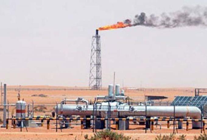 وزير النفط : خطة لزيادة الانتاج الي 102 الف برميل يومياً