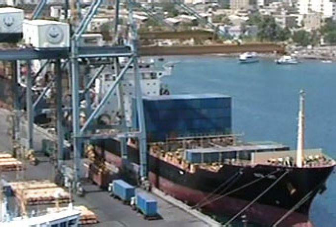 تعطل حركة الصادر بميناء بورتسودان لعدم وجود حاويات