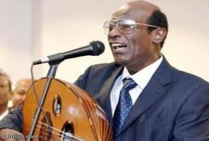 محمد الأمين يُوقف أحد أبرز أعضاء فرقته الموسيقية