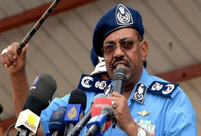 البشير يشيد بقبيلة البطاحين لعفوها عن 5 من منسوبي الشرطة