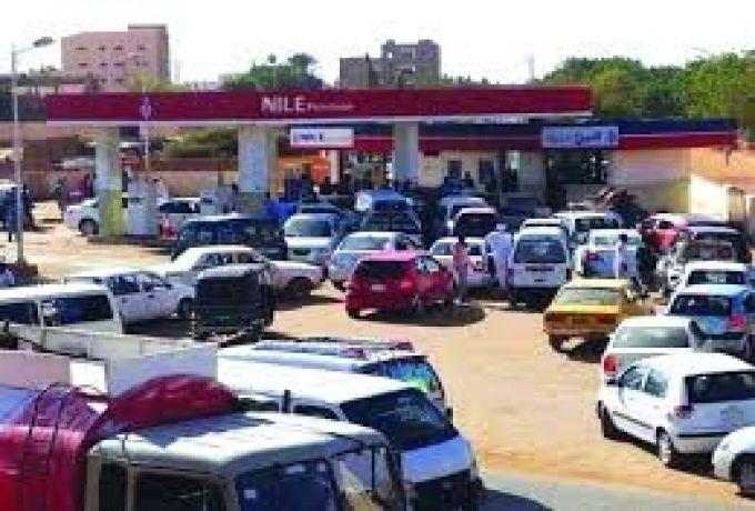 أزمة الوقود بالسودان ..الواقع يكذب تصريحات الوزير !
