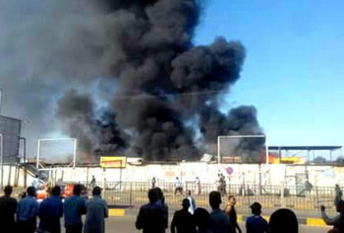"""حريق يُقضي علي محال تجارية بموقف مواصلات """"جاكسون"""""""