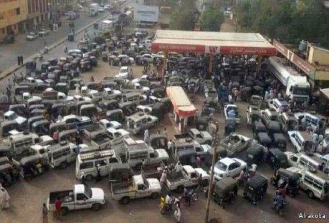 الخرطوم .. صرف الوقود بالبطاقات الممغنطة ومنع السيارات غير المرخصة