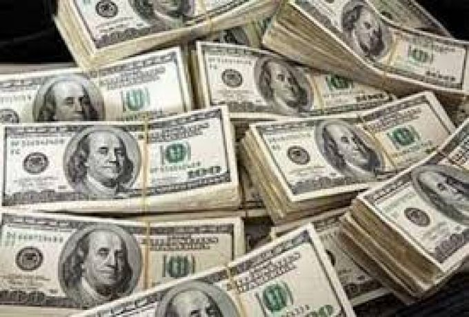 الجنيه السوداني يتراجع الي مستوي قياسي امام الدولار