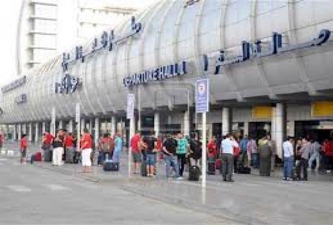 سوداني يتعرض للاحتيال بمطار القاهرة
