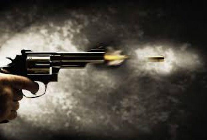 معلم حاول الدفاع عن فتيات ،فلقي حتفه بنيران مسلح