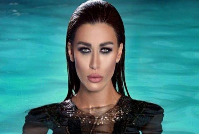 فنانة عربية تُعلن اعتزالها لتعرضها للضرب من إبنها