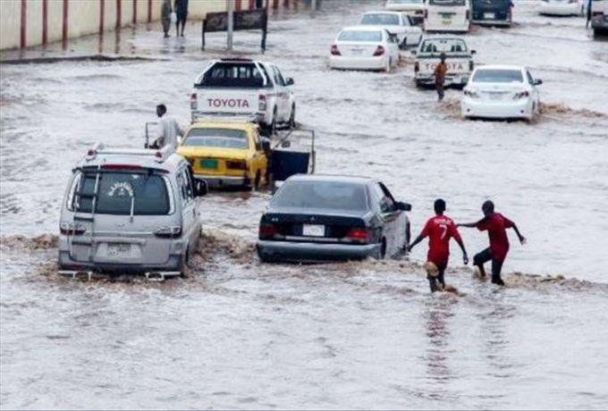 أمطار غزيرة وسيول جارفة بالخرطوم وولايات السودان