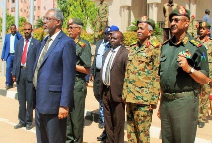 رئيس الوزراء يتعهد بإسناد القوات المسلحة وتزويدها بالقوة