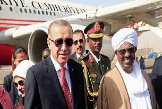 البشير يصل اسطنبول ويشهد احتفالات تركيا بالمطار الجديد