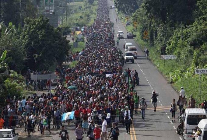 آلاف الجنود الأمريكيين يستعدون لمواجهة قافلة المهاجرين