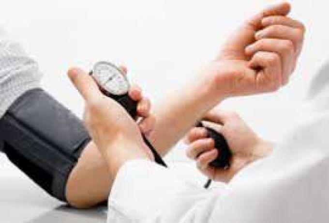 4 أعراض تدل عليه ..ضغط الدم المرتفع قد يفتك بك