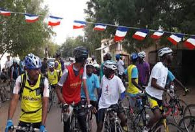 فرنسا تلغي سباق للدراجات بالسودان بعد هروب بطلين