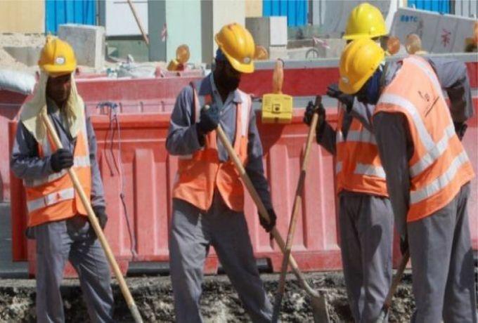 """السودان يستقدم """"1،816"""" من العمالة الأجنبية"""