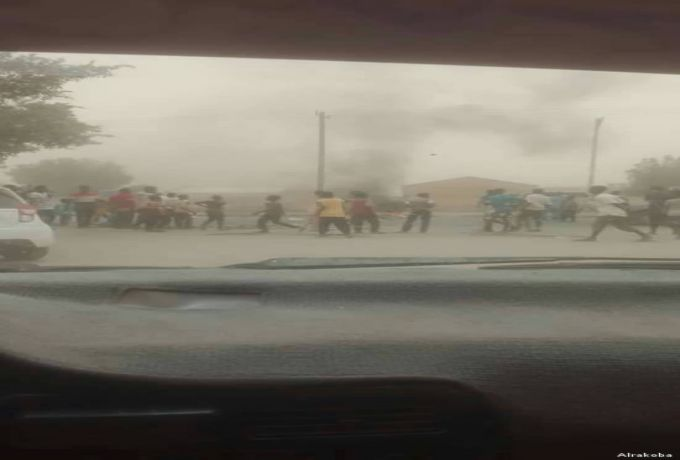 إعلامي اماراتي للسودانيين :لا تحولوا بلادكم الي ليبيا أُخري
