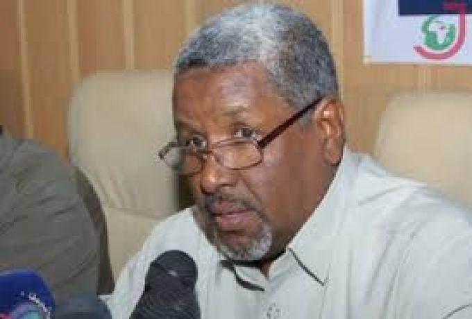 محكمة الفساد تحذر والي الخرطوم السابق عبد الرحمن الخضر
