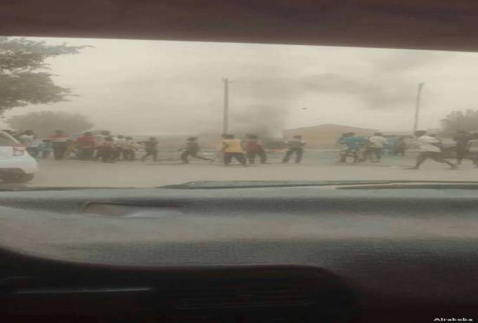 بورتسودان تخرج مجدداً في تظاهرات عارمة وسط الغاز المسيل للدموع