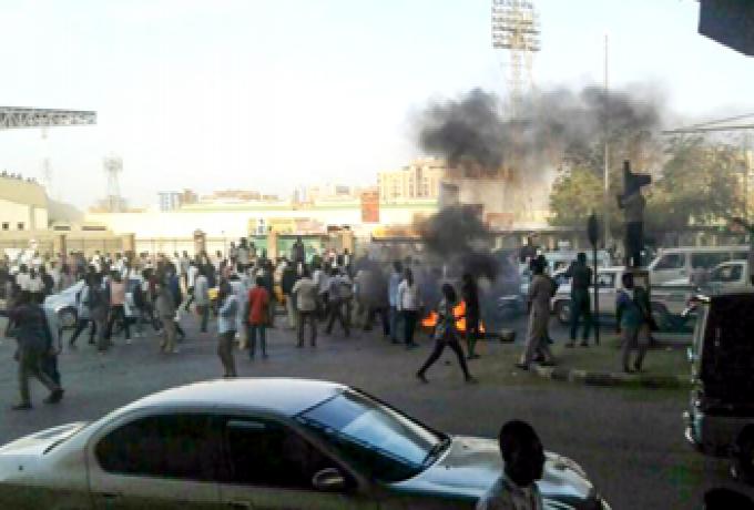 """تظاهرات عارمة في الكلاكلة ومنطقة """"صابرين"""" بأم درمان"""
