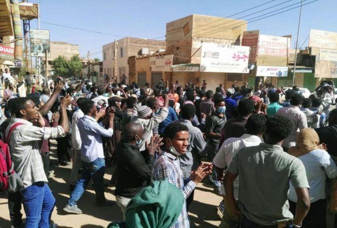 السلطات تفض تظاهرات عارمة بأحياء الخرطوم