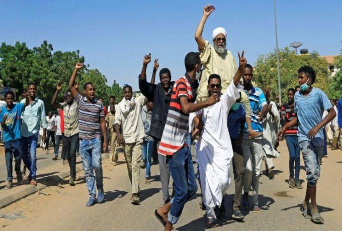"""السودان ..إضراب للصيادلة السبت و""""المعلمين"""" غداً"""
