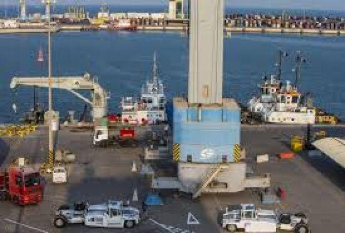 الشركة الفلبينية تتسبب في ارتباك بميناء الحاويات