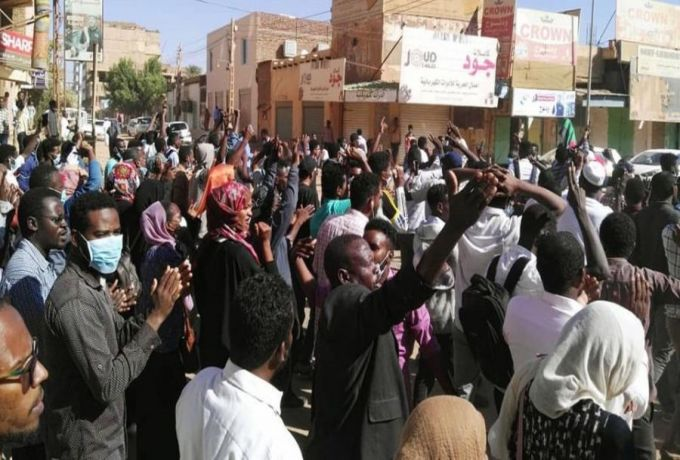 السلطات الأمنية تطلق سراح طلاب شاركوا في التظاهرات
